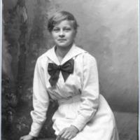 Heta Komulainen, Anni Unbomin kotiapulainen