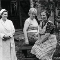 Aili Haanpää, Lyyli Marttinen ja Irja Rouvinen