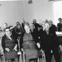 Keiteleen vanhustenkerholaisia 1965