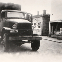 GMS eli kemssu bensan ajossa Jyväskylässä v. 1948.jpg