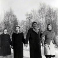 Lyyli ja Terttu Marttinen, Elsa Haanpää sekä Venla Toppinen