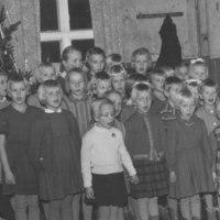 Pyhäkoulun joulujuhla Väentuvalla 1961