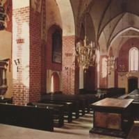 Nousiaisten Pyhän Henrikin kirkko sisältä