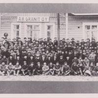 Ab Granit Oy:n työntekijöitä yhteiskuvassa