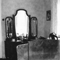 Pappilan sänkykamari 1965