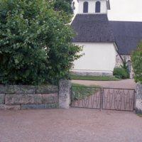 Nousiaisten Pyhän Henrikin kirkon portti