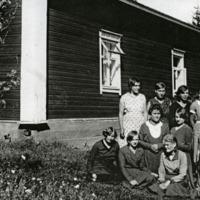 Kotitalousopiston opiskelijoita 1920-luvulla<br />