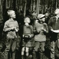 Nuoria metsänleimaajia Orimattilan leimausmestaruuskilpailussa vuonna 1961