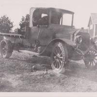 Lehdon kiviliikkeen Benz-auto 1920-luvulla