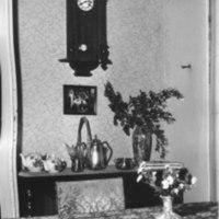 Pappilan ruokasalin kelloseinä 1965