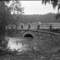 1987-08-027.jpg