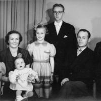 Toivo Perttilän perhe.jpg