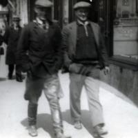 MiestenPukineita1930.jpg