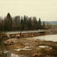 siltaa rakentamassa.jpg