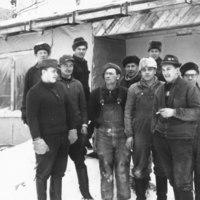 Keiteleen pappila-kanttorilan rakennusmiehet 1965
