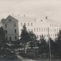 Portaanpään kristillisen kansanopiston nykyinen päärakennus