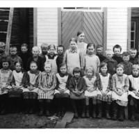 Vuonamon oppilaita Aholassa 1928
