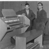 Keiteleen kirkon uudet elektroniurut 1963