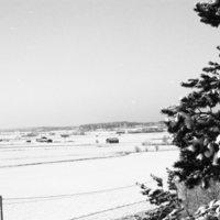 Nousiaisten peltomaisemaa talvella Nummelta