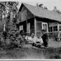 Kirkonkylän vanhoja taloja